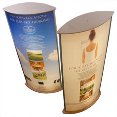 Exhibition and retail graphic light box displays